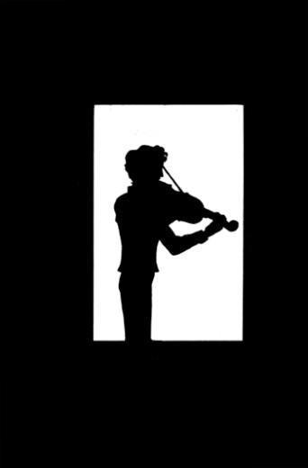 Sherlock Holmes en silueta tocando el violín.
